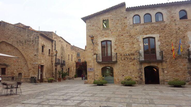 The main square in Calonge