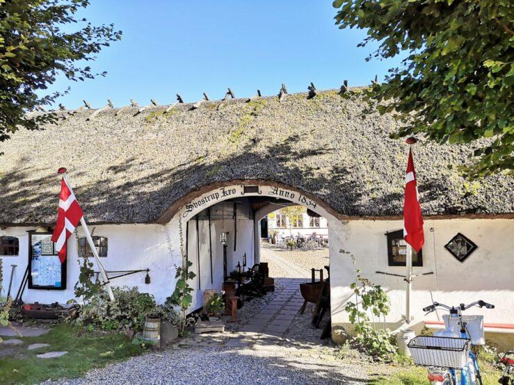 Svostrup Kro Pramdragerstien hike towpath in Jutland