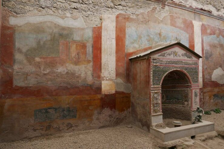 Visit Pompeii ruins, volcano and city in Italy
